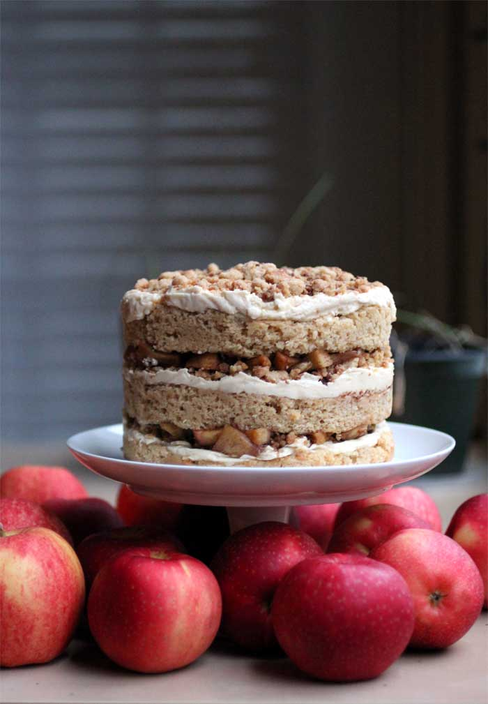 {momofuku} apple pie cake // The Pancake Princess