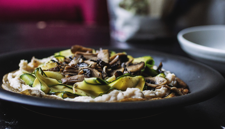 Zucchini and Fried Mushroom Quinoa Flatbread | The Pancake Princess